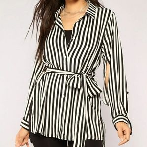 Fashion nova stripes shirt